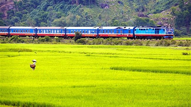 Chuyến tàu Bắc Nam lọt hành trình đường sắt tuyệt nhất 2020