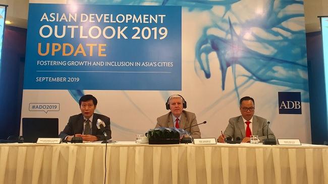 ADB: 2 điểm sáng của kinh tế Việt Nam 9 tháng đầu năm