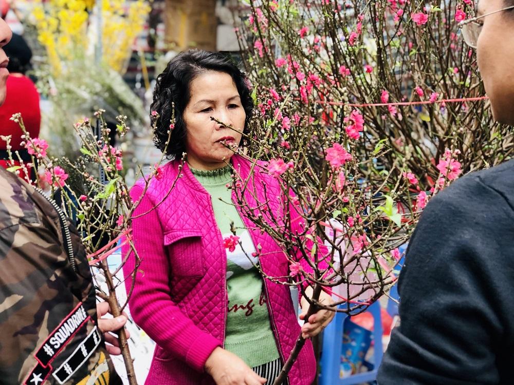 Hương sắc Tết Canh Tý nơi chợ hoa phố cổ Hà Nội