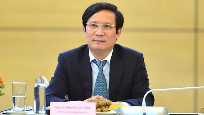 Chủ tịch VCCI: Giãn cách xã hội mãi sẽ khiến doanh nghiệp sụp đổ