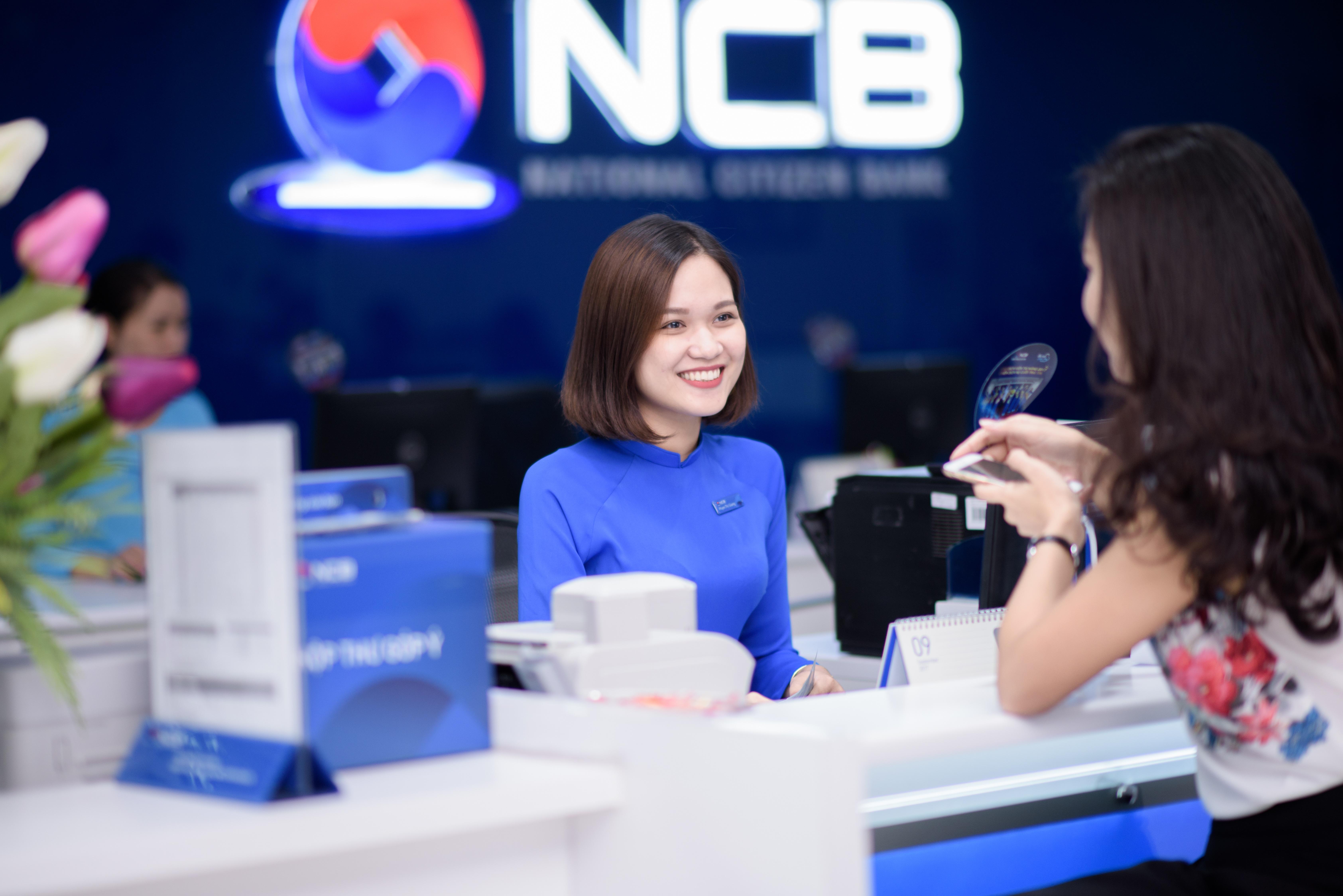 """Nhà đầu tư ngoại - ngân hàng Việt """"bắt tay"""" hợp tác 1"""