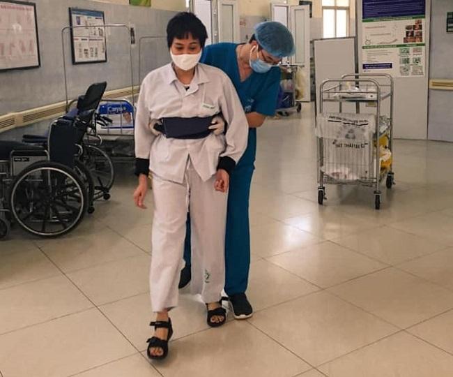 Những hình ảnh ấm áp từ bệnh viện Bạch Mai giữa dịch COVID-19 1