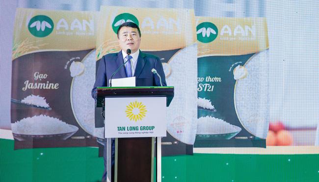 Tân Long: Tập đoàn nông nghiệp tỷ USD đầu tư vào bóng đá