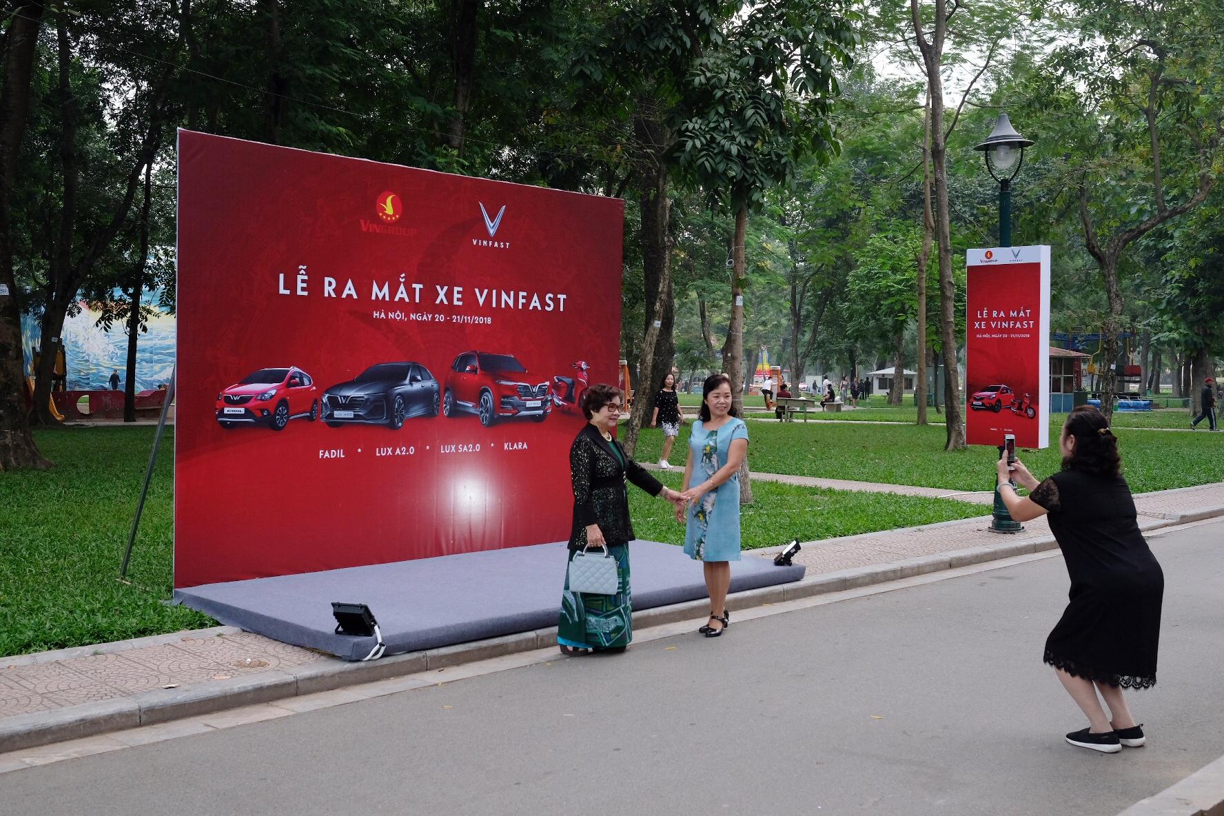 Những hình ảnh mới nhất của ô tô Vinfast chuẩn bị lễ ra mắt tại Hà Nội 6