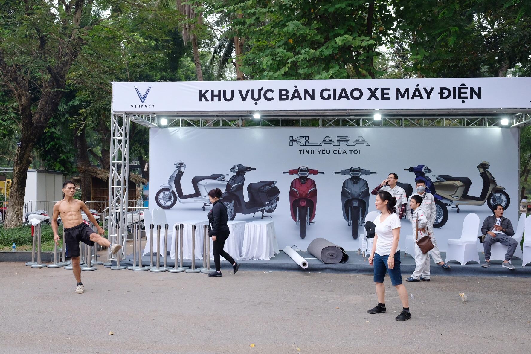 Những hình ảnh mới nhất của ô tô Vinfast chuẩn bị lễ ra mắt tại Hà Nội 7