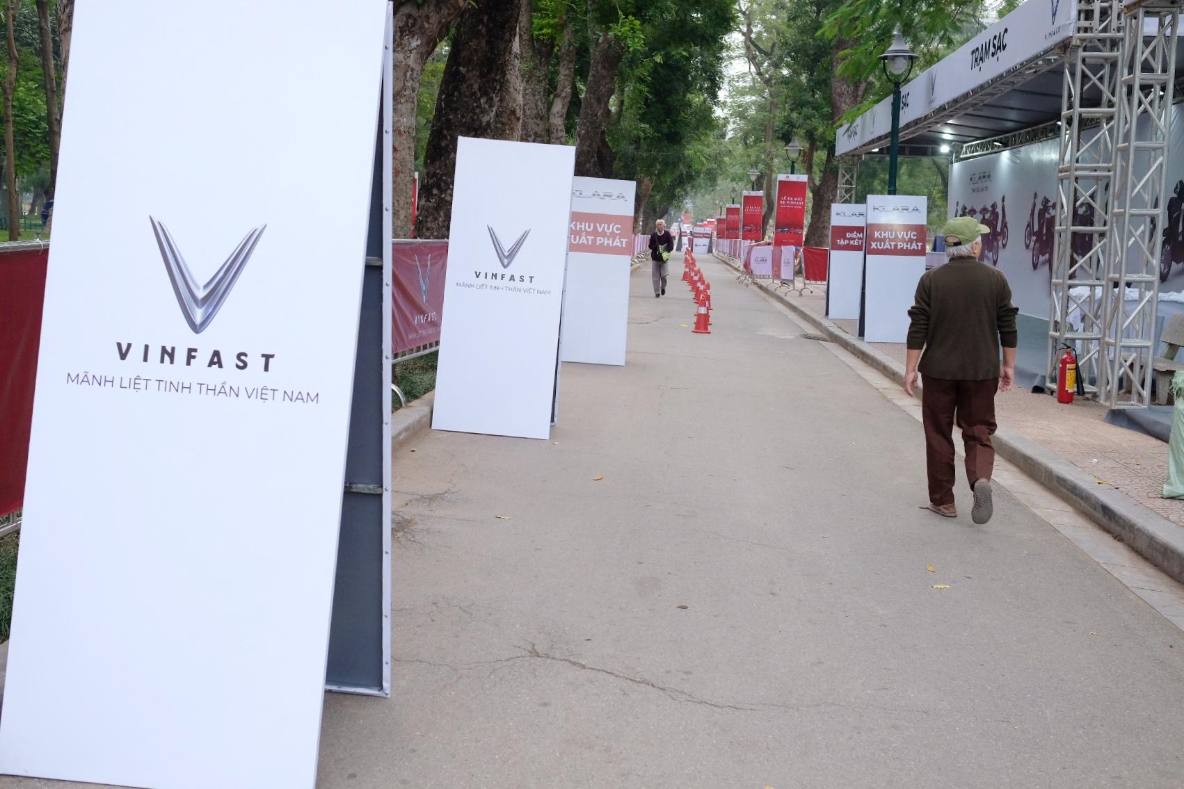 Những hình ảnh mới nhất của ô tô Vinfast chuẩn bị lễ ra mắt tại Hà Nội 8