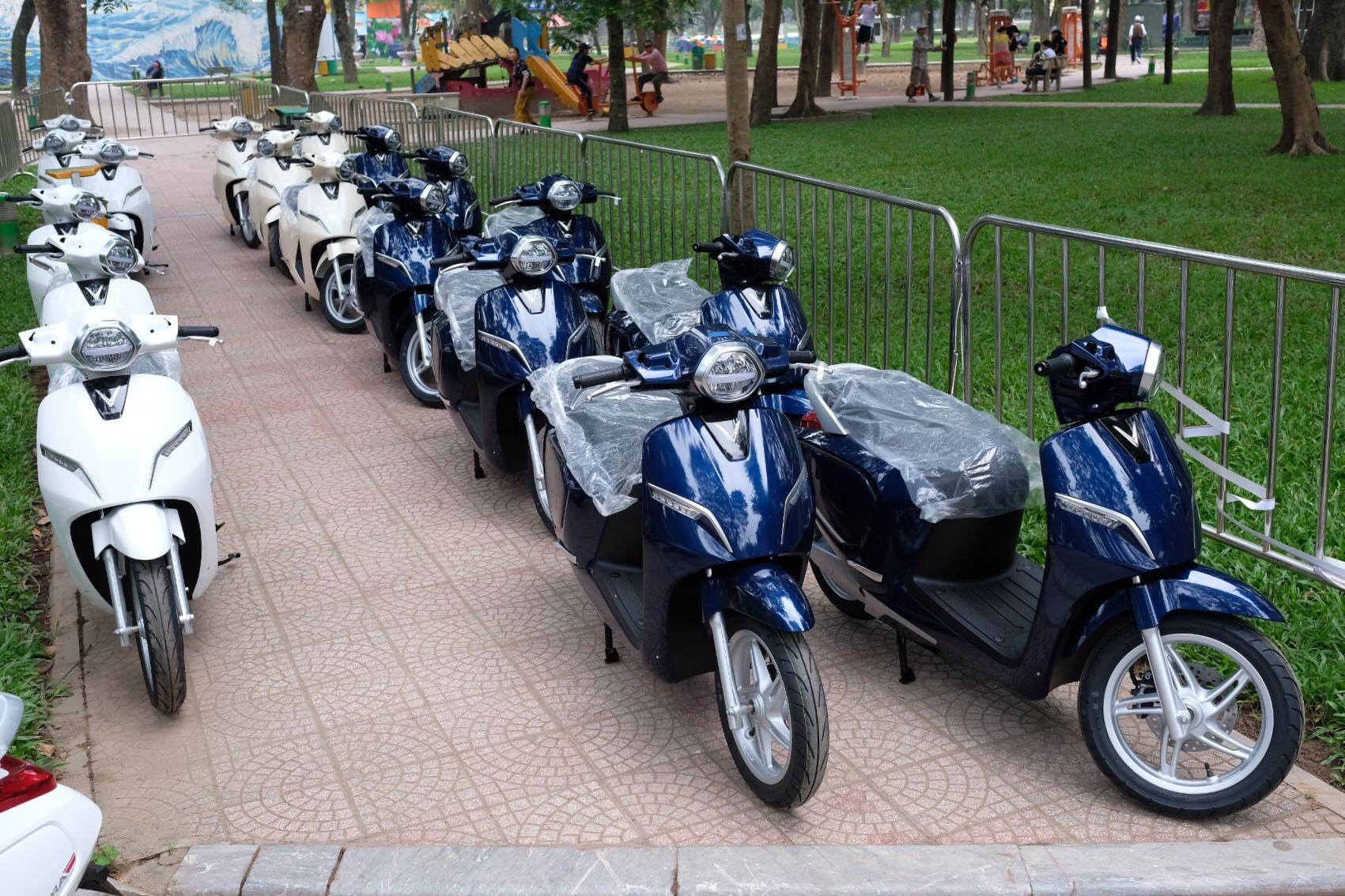 Những hình ảnh mới nhất của ô tô Vinfast chuẩn bị lễ ra mắt tại Hà Nội 3