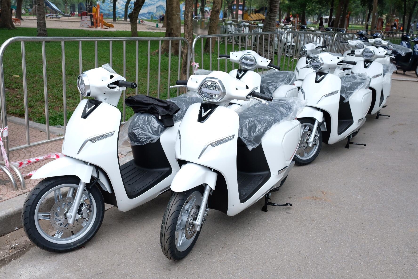 Những hình ảnh mới nhất của ô tô Vinfast chuẩn bị lễ ra mắt tại Hà Nội 15