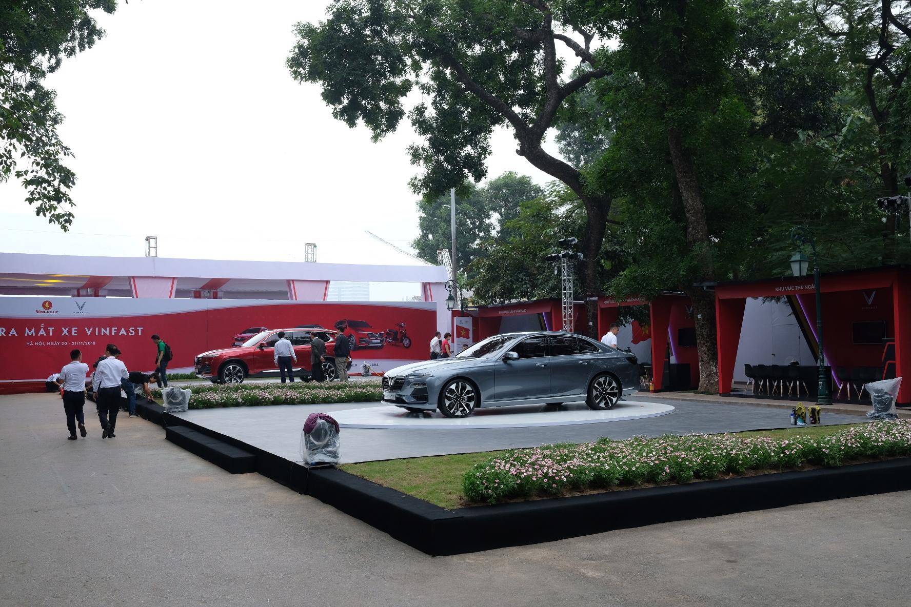 Những hình ảnh mới nhất của ô tô Vinfast chuẩn bị lễ ra mắt tại Hà Nội 22