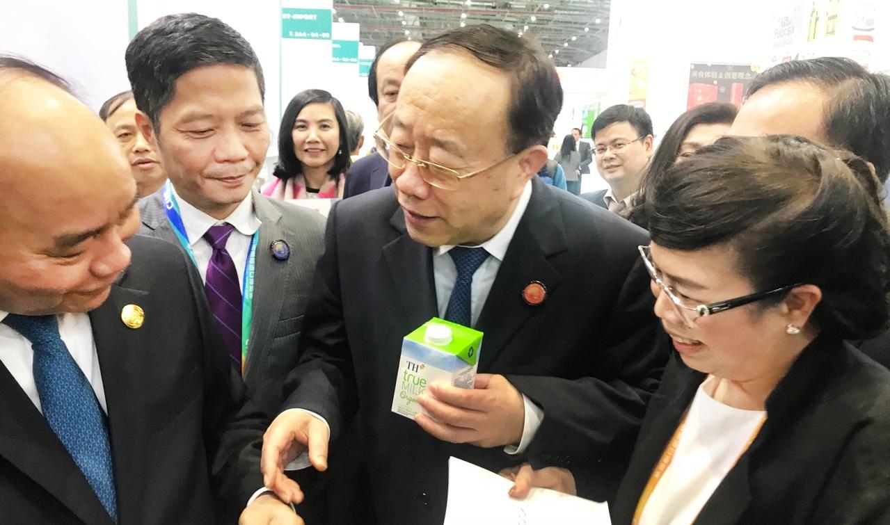 TH true MILK gây ấn tượng tại hội chợ nhập khẩu lớn của Trung Quốc 2