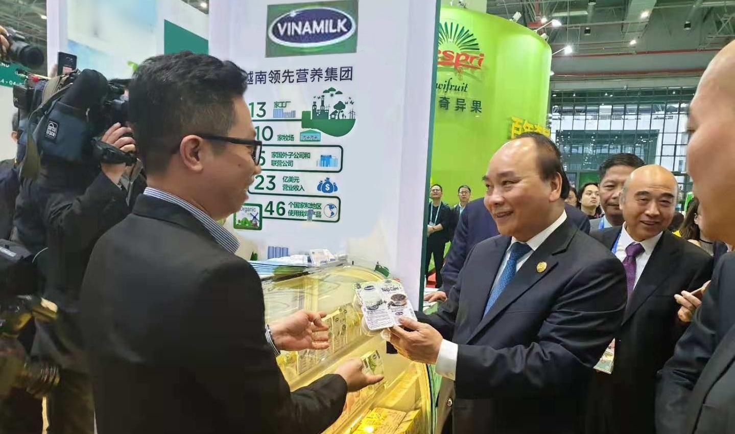 Các sản phẩm sữa của Vinamilk ra mắt tại CIIE 2018