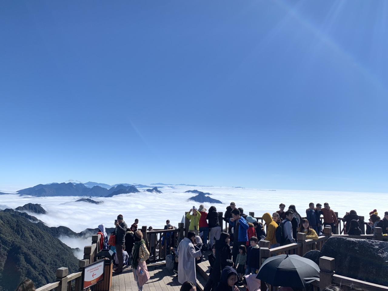 Suối băng xuất hiện tại đỉnh Fansipan 3