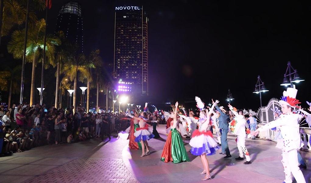 Ai có thể đánh thức tiềm năng du lịch lễ hội ở Việt Nam?