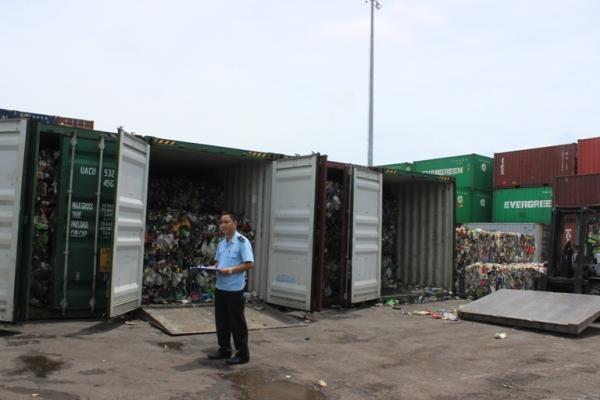 Vụ việc hiếm hoi, 3 container phế liệu chưa cập cảng đã phải quay lại nước xuất khẩu
