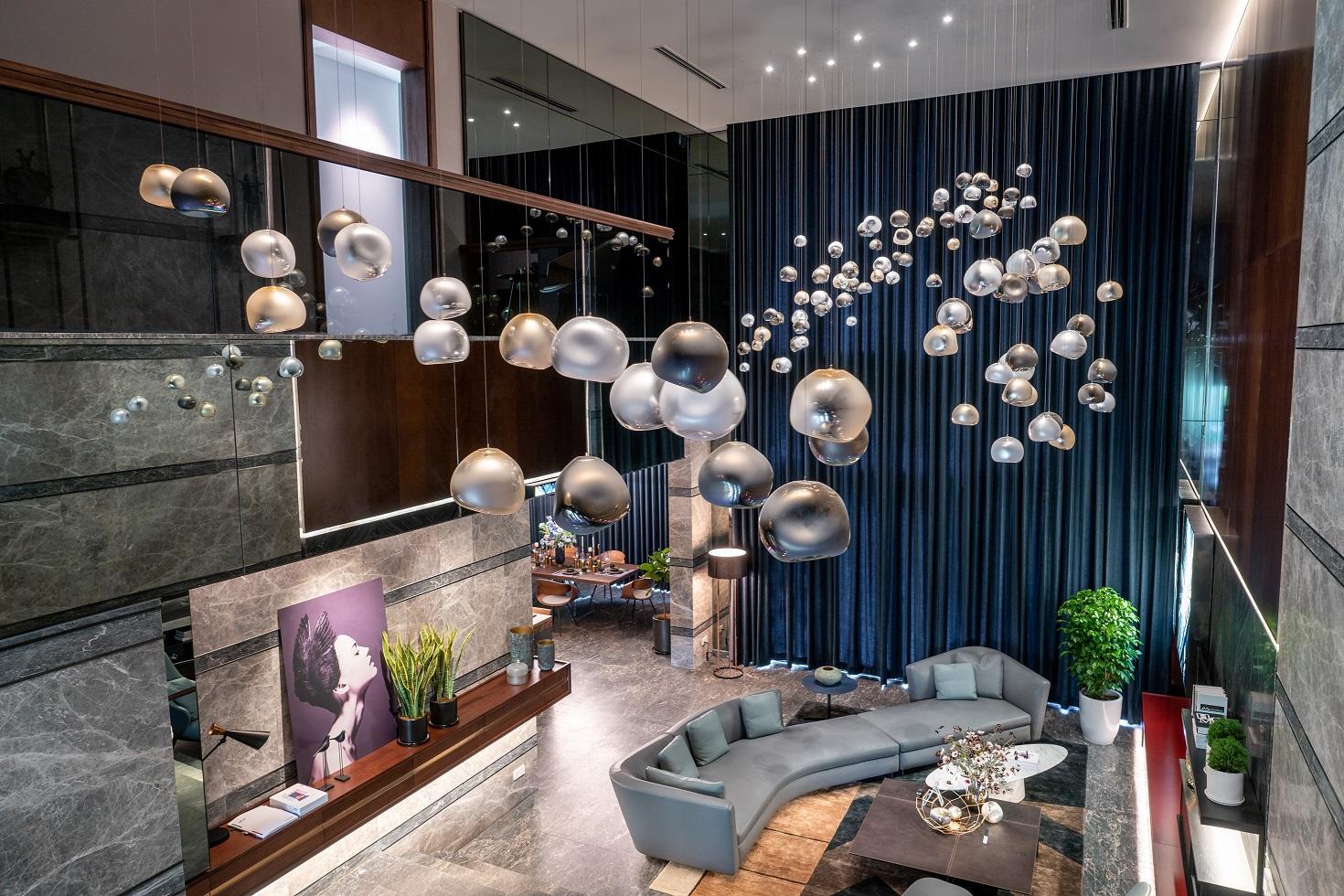 Khám phá nội thất xa xỉ của biệt thự triệu đô ở ngoại ô Hà Nội