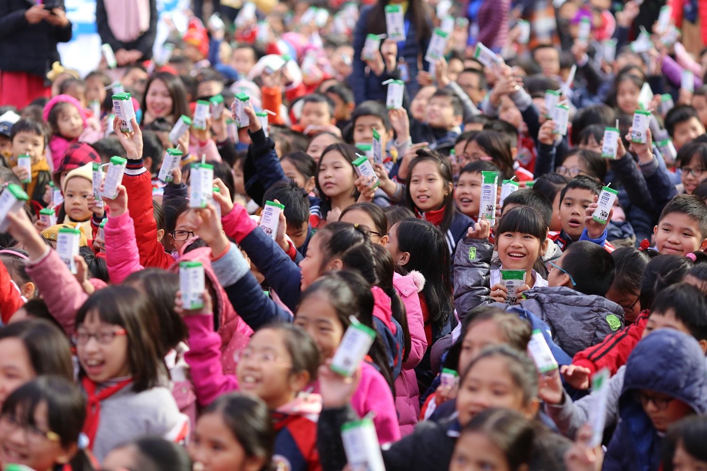 Chương trình sữa học đường Hà Nội được chính thức triển khai 5