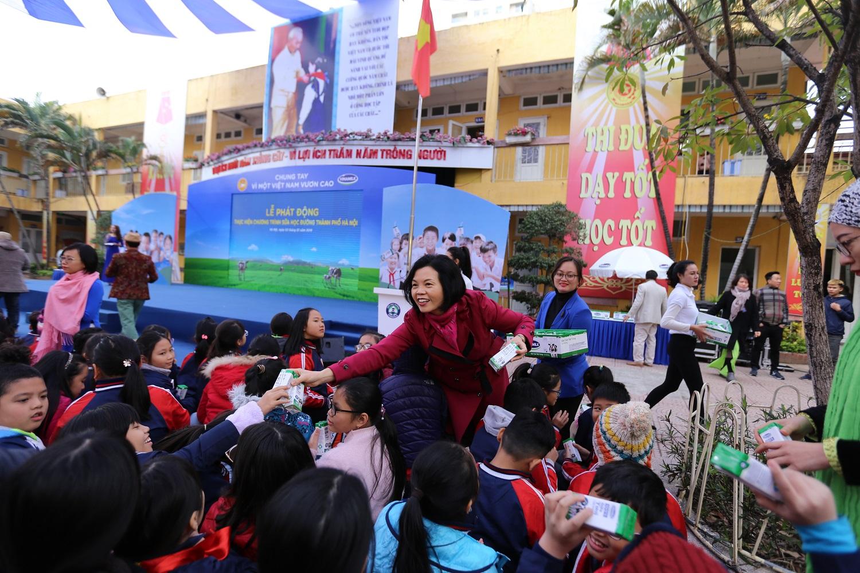 Chương trình sữa học đường Hà Nội được chính thức triển khai 1