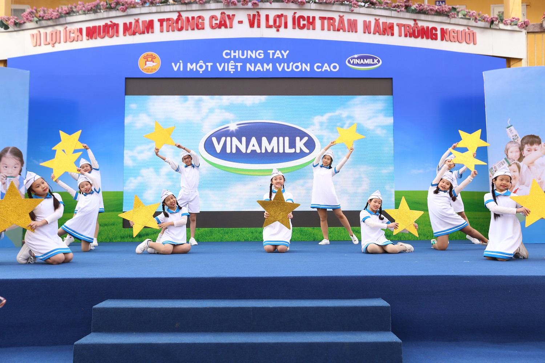 Chương trình sữa học đường Hà Nội được chính thức triển khai 4