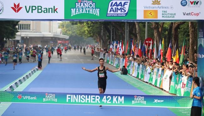 Khám phá di sản Hà Nội trên đường chạy giải VPBank Hanoi Marathon 3