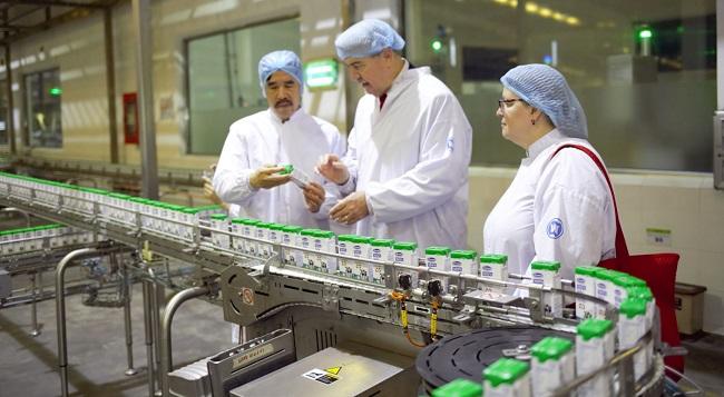 """Siêu nhà máy sữa Vinamilk """"ghi điểm"""" với đoàn công tác của Bộ Nông Nghiệp Mỹ 1"""