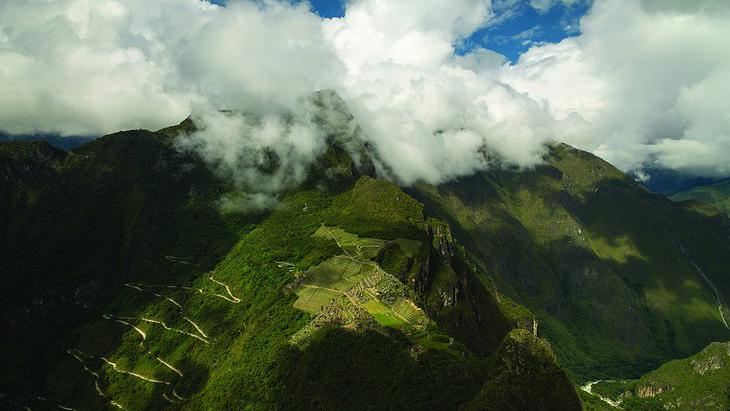 Nhân chuyện ở Mã Pì Lèng, xem thế giới dựng khách sạn giữa núi rừng ra sao 10