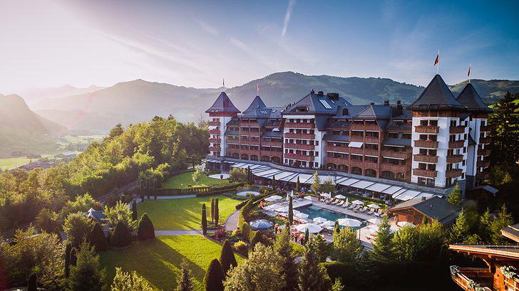 Nhân chuyện ở Mã Pì Lèng, xem thế giới dựng khách sạn giữa núi rừng ra sao 8