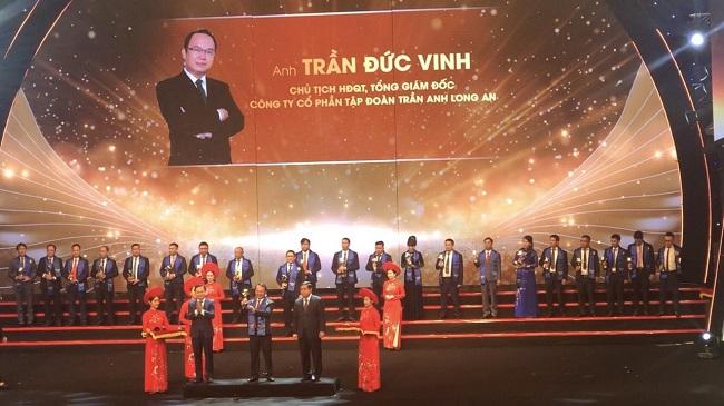 Chủ tịch Trần Anh Group nhận giải thưởng Sao Đỏ - Doanh nhân trẻ Việt Nam tiêu biểu 2019