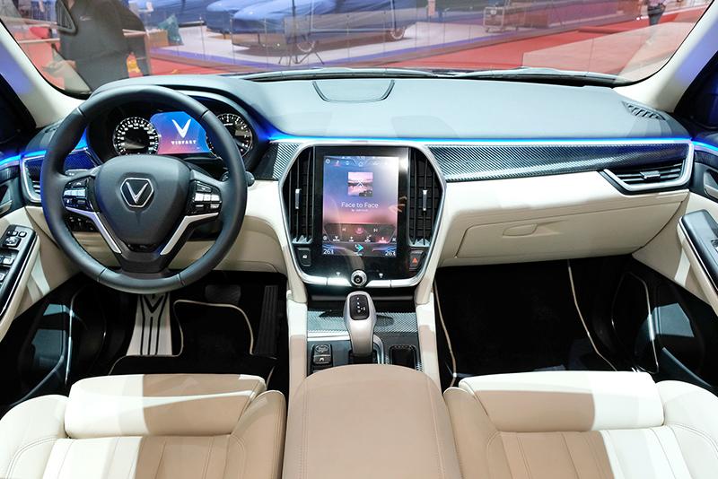 VinFast trình làng mẫu SUV LUX phiên bản đặc biệt tại Thụy Sỹ 5
