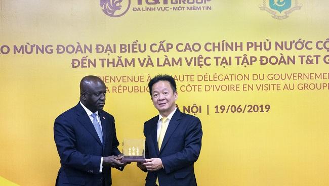 Bộ trưởng Bộ Ngoại giao Bờ Biển Ngà thăm Tập đoàn T&T Group 2