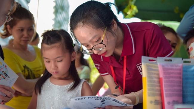 Hàng trăm học bổng hè dành cho con em cán bộ nhân viên Phuc Khang Corp 2