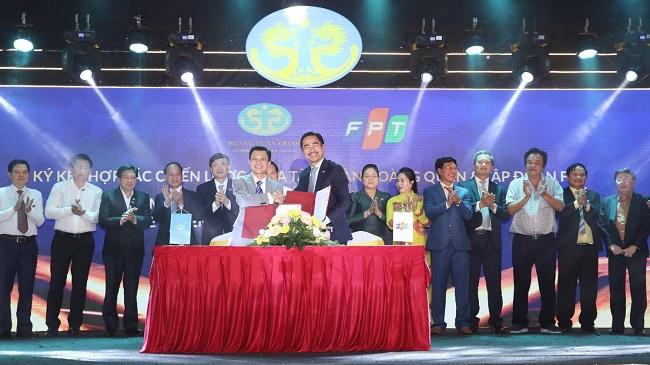 Hoàng Quân ký kết hợp tác với FPT nhân kỷ niệm 20 năm thành lập