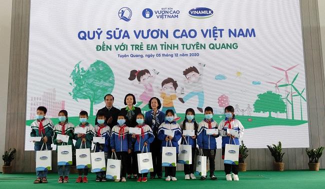 Vinamilk hoàn thành mục tiêu trồng hơn 1,1 triệu cây xanh cho Việt Nam 5
