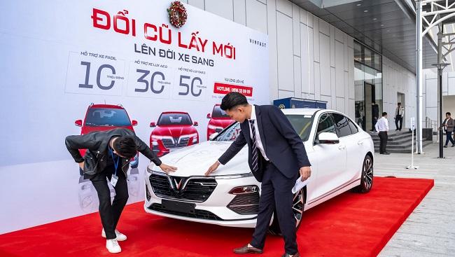 Loạt chính sách chưa từng có giúp vực dậy thị trường ô tô Việt 2020 1