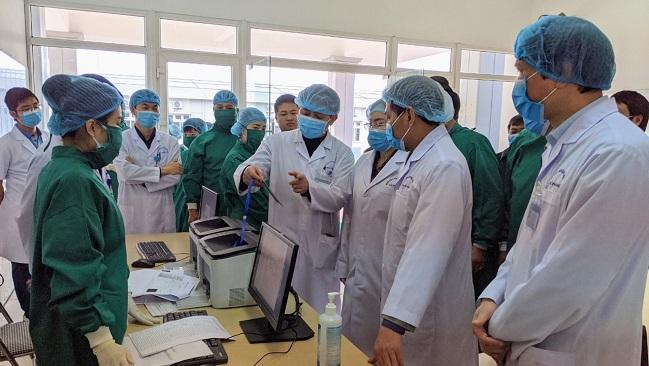 Cán bộ y tế chống dịch Covid-19 được phụ cấp tới 300.000 đồng một ngày