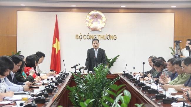 Nhiều doanh nghiệp tại Hà Nội cam kết đủ hàng hóa và không tăng giá