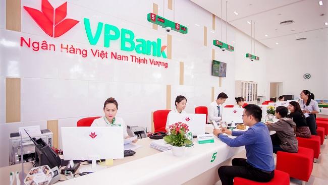 Lãi suất cạnh tranh, người dân chọn ngân hàng nào để gửi tiền?