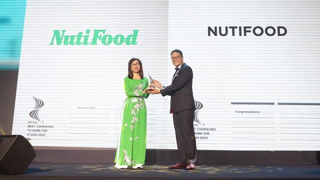 NutiFood nhận giải 'Nơi làm việc tốt nhất châu Á 2020'
