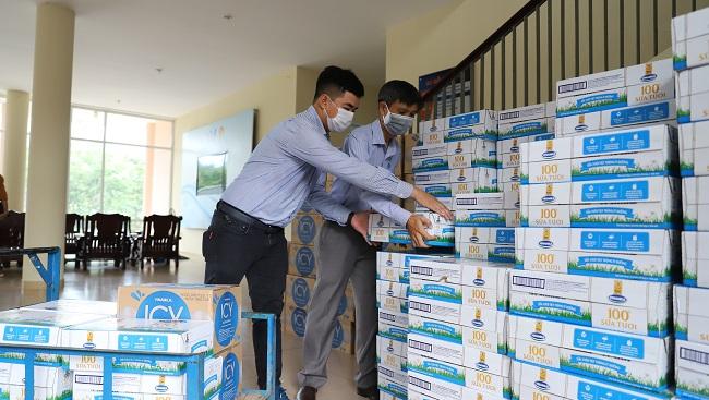 Vinamilk ủng hộ 170.000 sản phẩm cho 3 địa phương miền Trung đang là 'điểm nóng' Covid-19 1