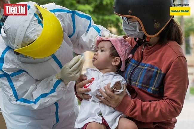 Nam A Bank tặng hàng ngàn vật phẩm y tế cho bộ đội biên phòng