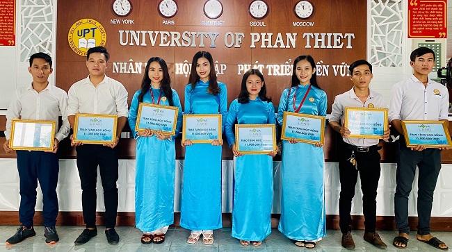 Novaland liên tục thực hiện các hoạt động hỗ trợ giáo dục và đào tạo tại Bình Thuận 1