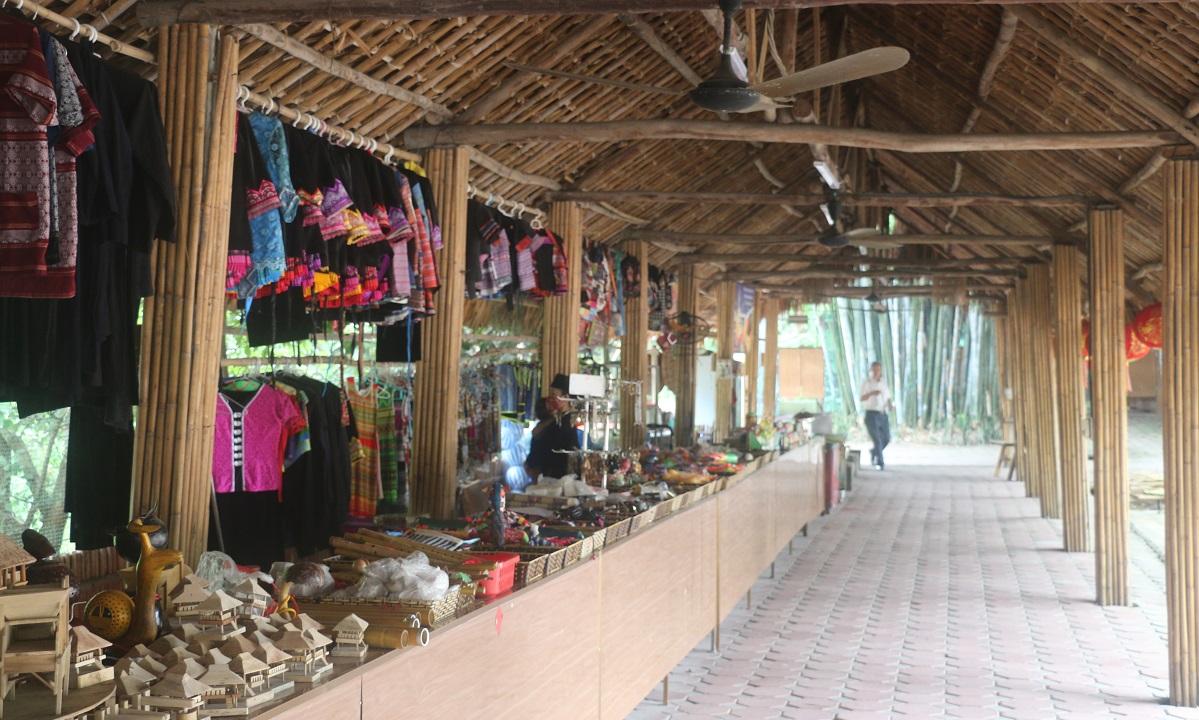 Ngỡ ngàng bản làng Thái Hải 6