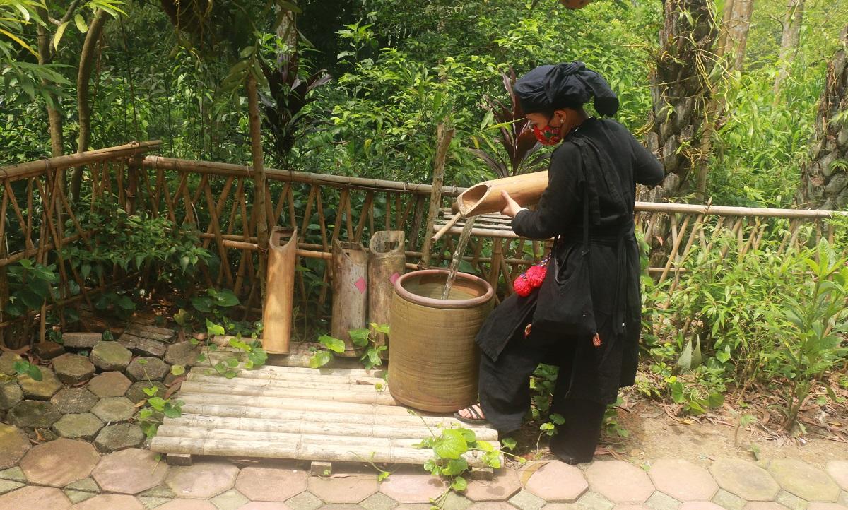 Ngỡ ngàng bản làng Thái Hải 4