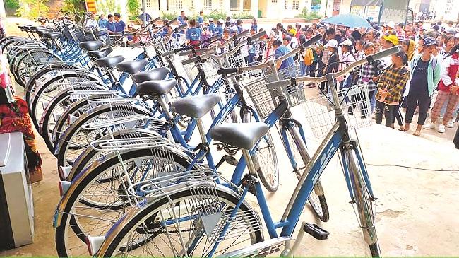 Hồi sinh những chiếc xe đạp cũ tặng học sinh vùng cao 3