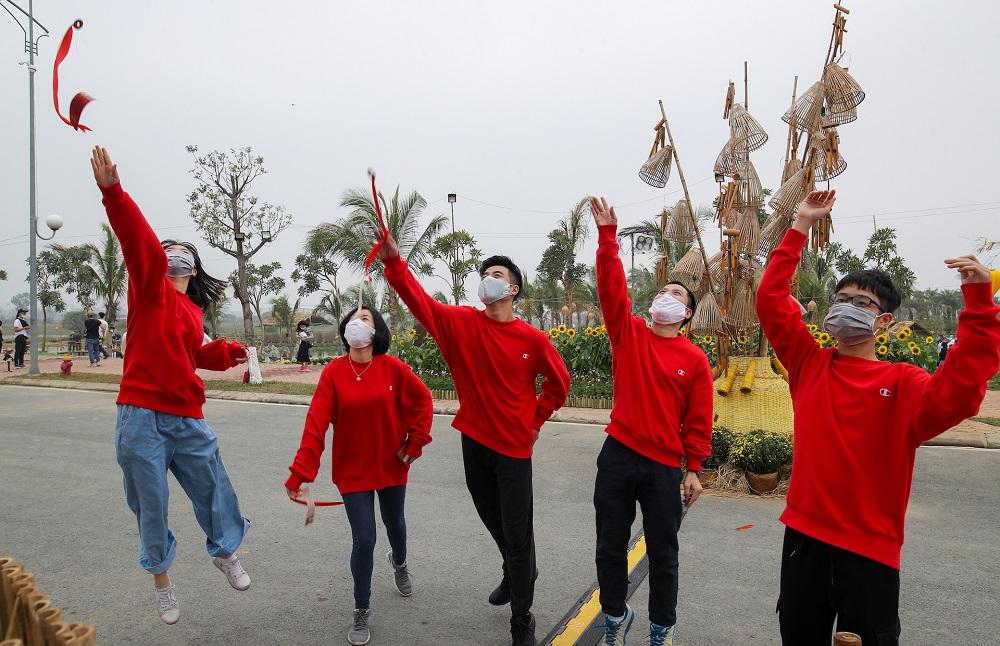 Đường hoa Home Hanoi Xuan 2021 tôn vinh nét đẹp Tết cổ truyền Việt 8