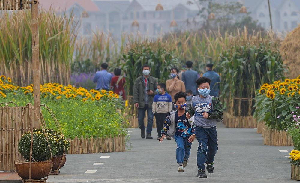 Đường hoa Home Hanoi Xuan 2021 tôn vinh nét đẹp Tết cổ truyền Việt