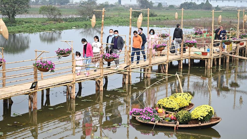 Đường hoa Home Hanoi Xuan 2021 tôn vinh nét đẹp Tết cổ truyền Việt 2