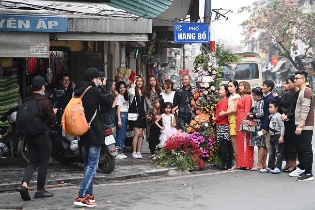 Hơn 100 Cột đèn 'nở hoa' giữa trung tâm Hà Nội 6