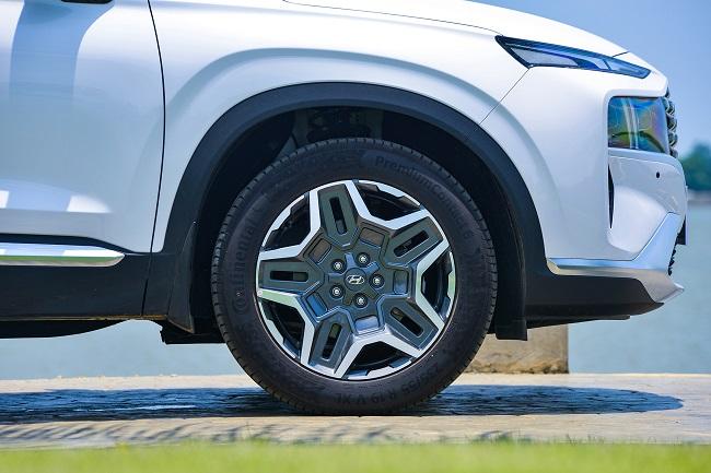 Hyundai Santa Fe 2021 chính thức ra mắt tại Việt Nam 2