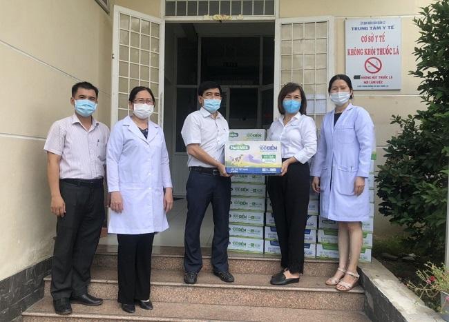 NutiFood và Ông Bầu tặng sản phẩm dinh dưỡng cho nhân viên y tế TP.HCM chống dịch 1