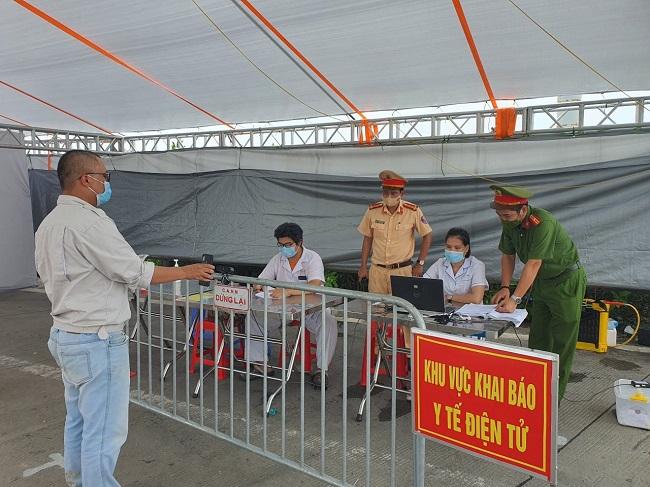 Một số cửa hàng tại Hà Nội được mở cửa trở lại từ trưa ngày 16/9